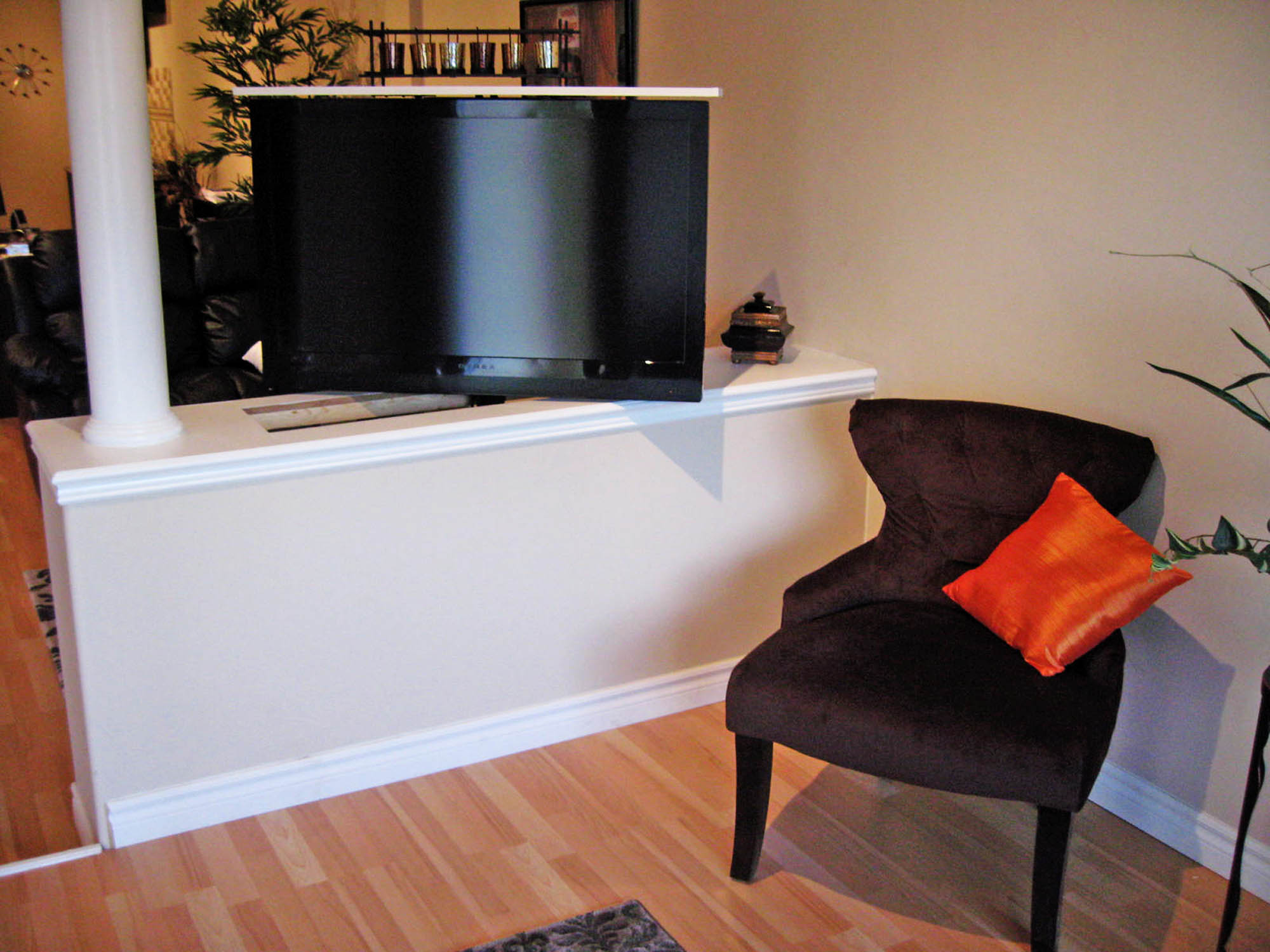 M Series 385 R Pop Up Tv Lift Activated Decor